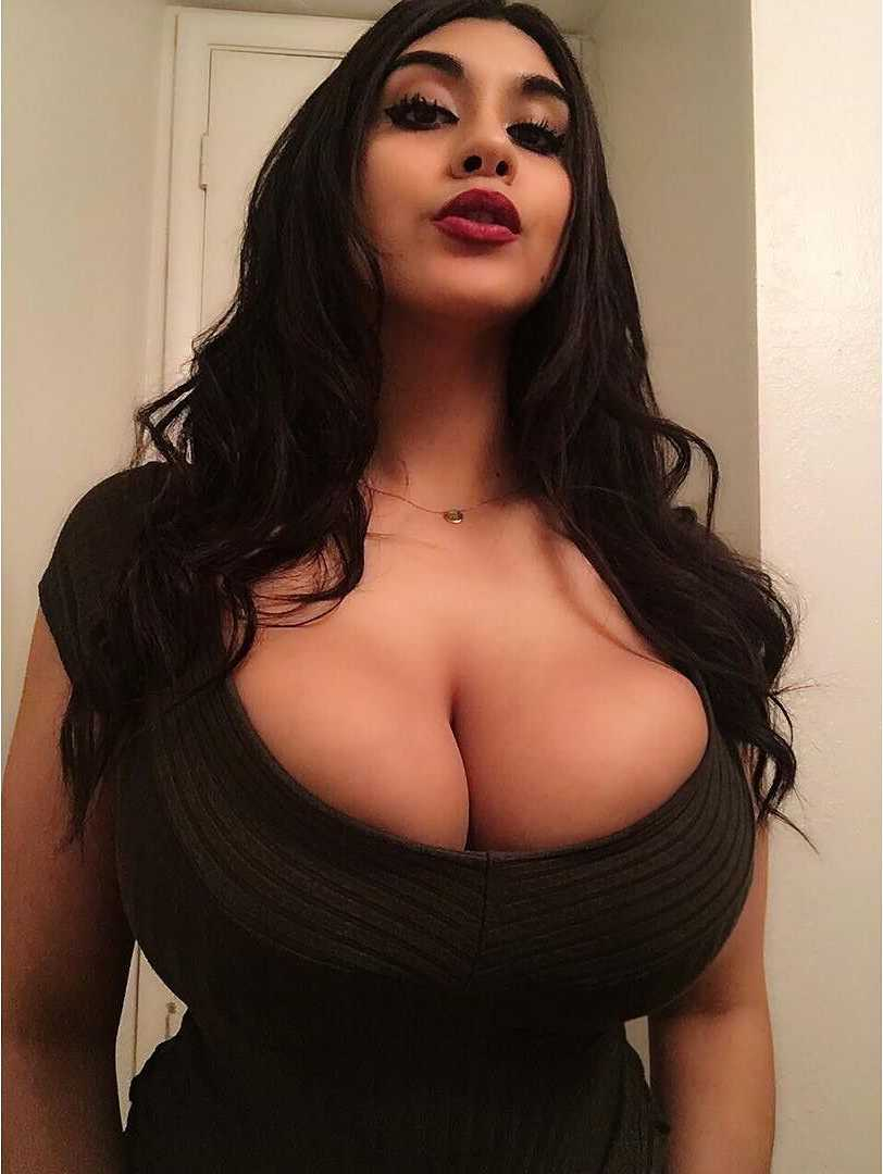 Putas guapas big boobs